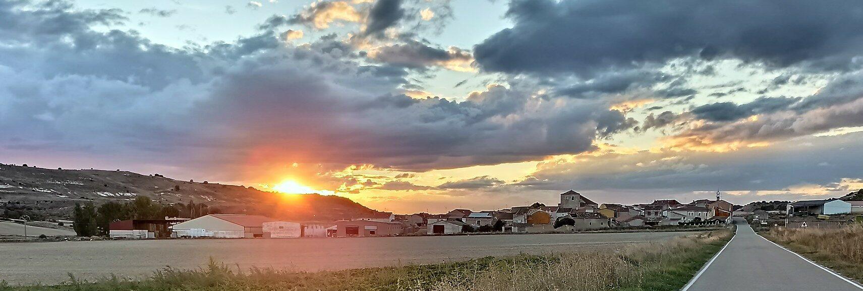 Puesta de sol en Villaconancio